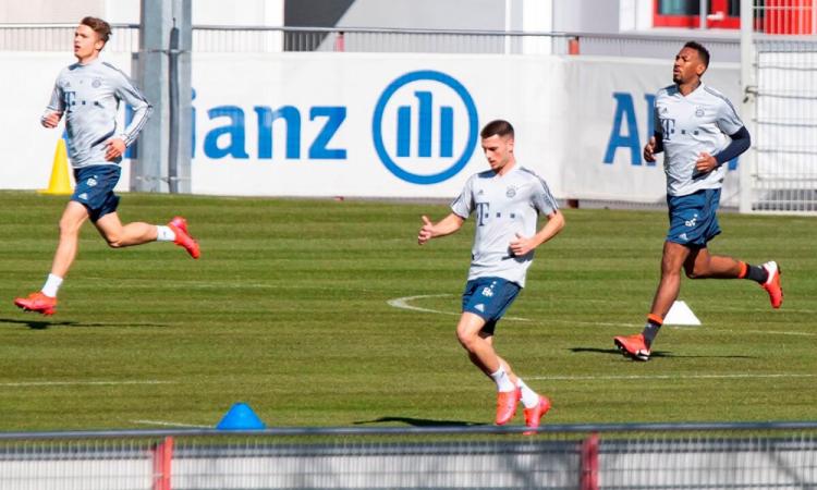 El Bayern Munich vuelve a entrenar en el campo en pequeños grupos