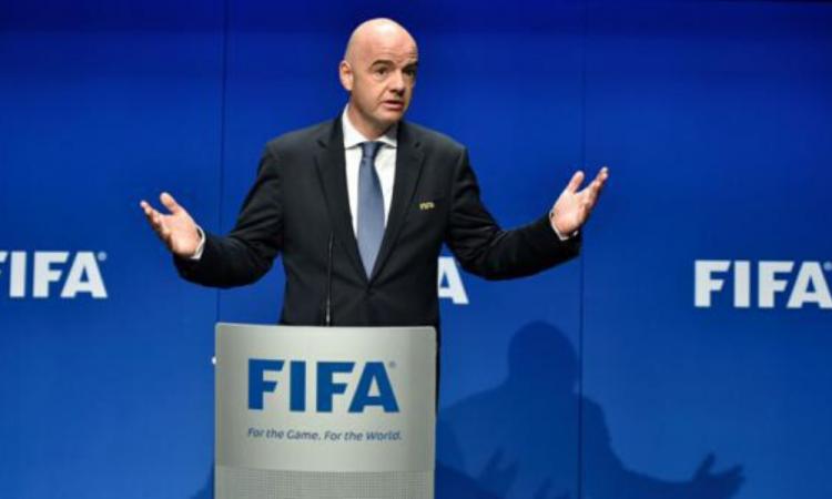 FIFA crea un fondo de emergencia para combatir la crisis en el futbol