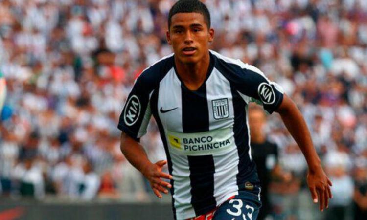 Kluiverth Aguilar de 16 años es el traspaso más caro del futbol peruano