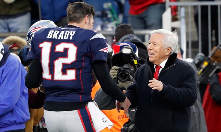 El dueño de los Patriotas subastará su anillo del Super Bowl LI