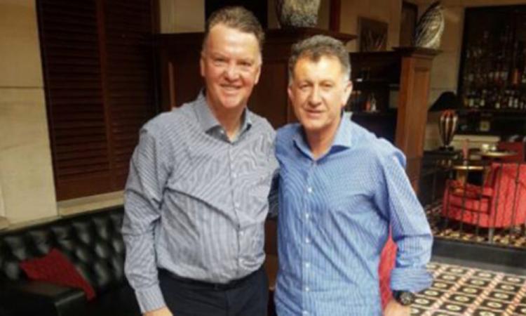 Confesiones de cuarenta: Van Gaal iba a sustituir a Juan Carlos Osorio en el Tri