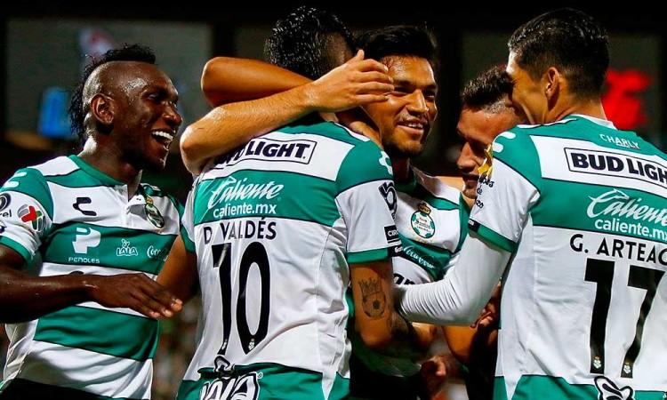 Dan de alta a 8 de 15 jugadores de Santos Laguna por Covid-19