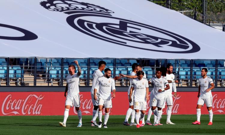 El Madrid vence al Eibar 3-1 y se aferra a la pelea por el título