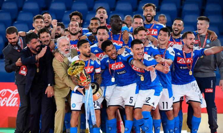 El Napoli vence a la Juve y alza la copa; Chucky, primer mexicano en ser campeón en Italia