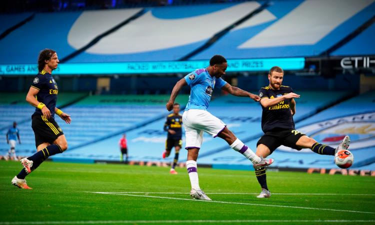 Gol fantasma marca el regreso de la Premier League: el City golea al Arsenal