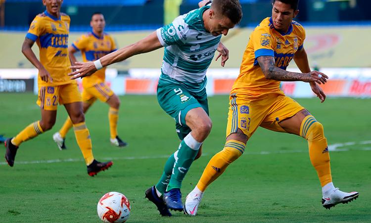 2-0. Nicolás López anota en victoria de Tigres UANL sobre Santos Laguna