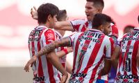 El Guadalajara vence al Mazatlán FC 2-1