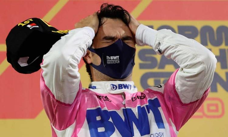 Checo Pérez llora al ganar el Gran Premio Sakhir, su primera victoria de F1