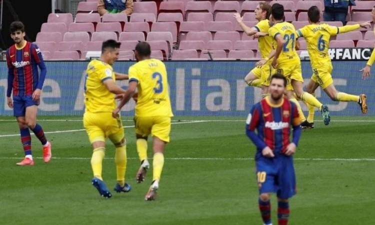 Barcelona sigue sin destacar; no pudo contra el Cádiz