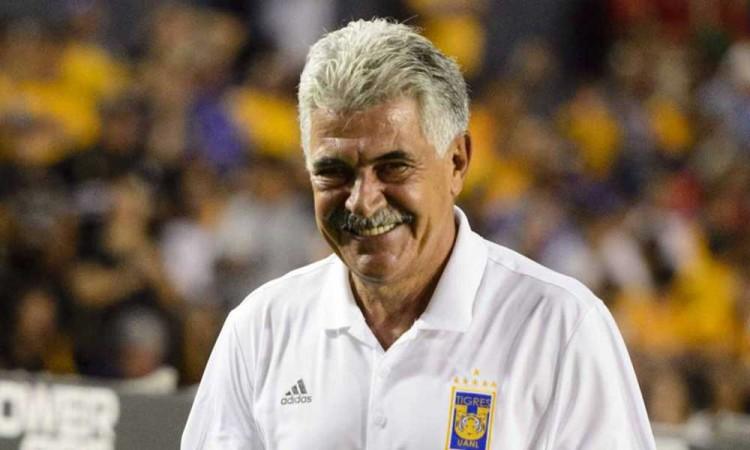 Ricardo Ferretti renovará con Tigres, club que dirige desde 2010