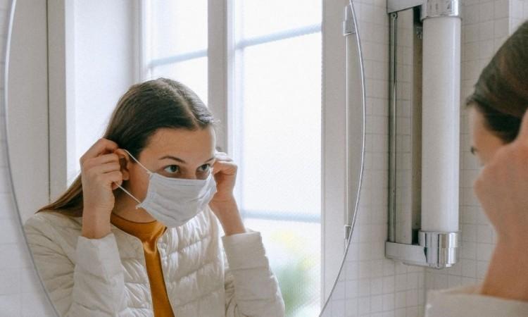 Algunos dermatólogos señalaron que su presencia colabora con el sistema inmunitario para combatir enfermedades.