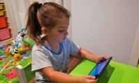 ¿Cómo desenganchar a los niños de las pantallas?