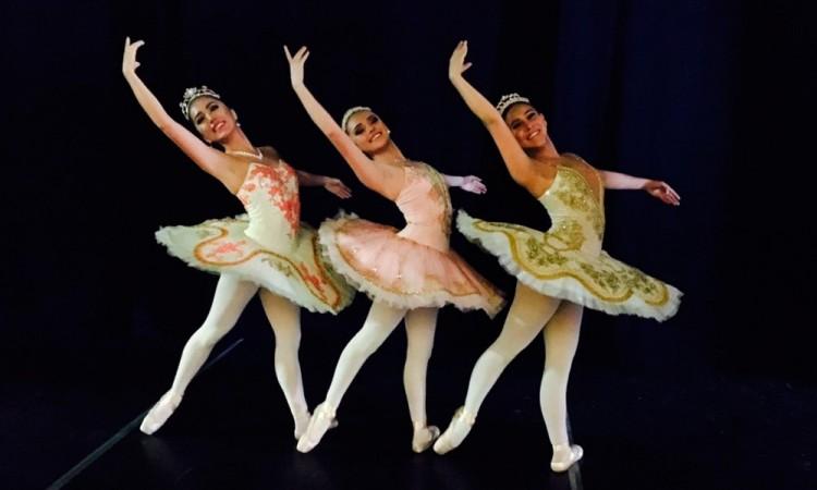 Celebran aniversario 19 con recital de ballet