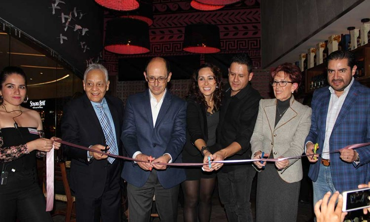Inauguran restaurante de comida tradicional