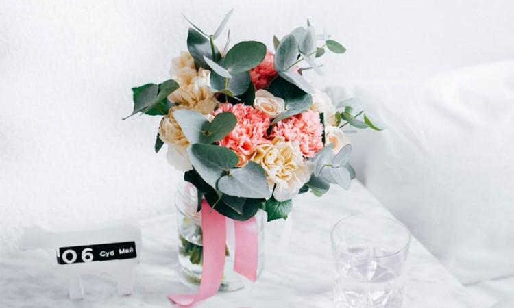 Sorprende a mamá con flores