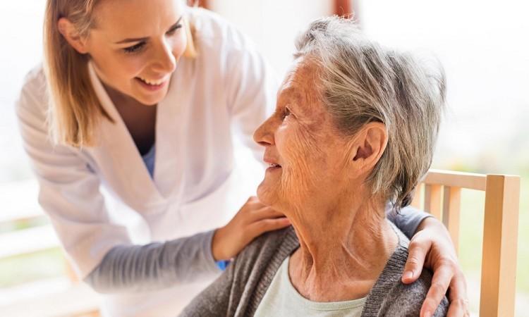 Consejos para cuidadores de pacientes con alzhéimer durante la cuarentena