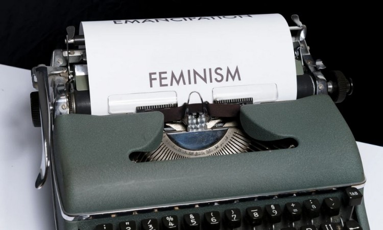 "Lucha de mujeres ""feminismo"" y ""feminazis"""