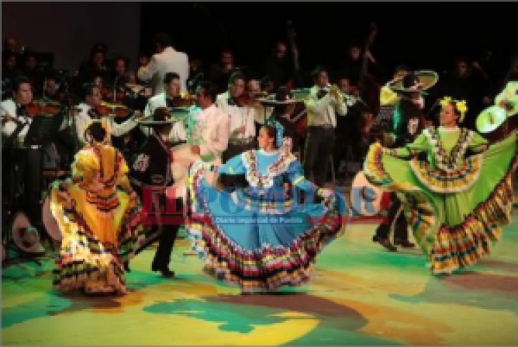 Celebra Orquesta Típica aniversario 50 con danza