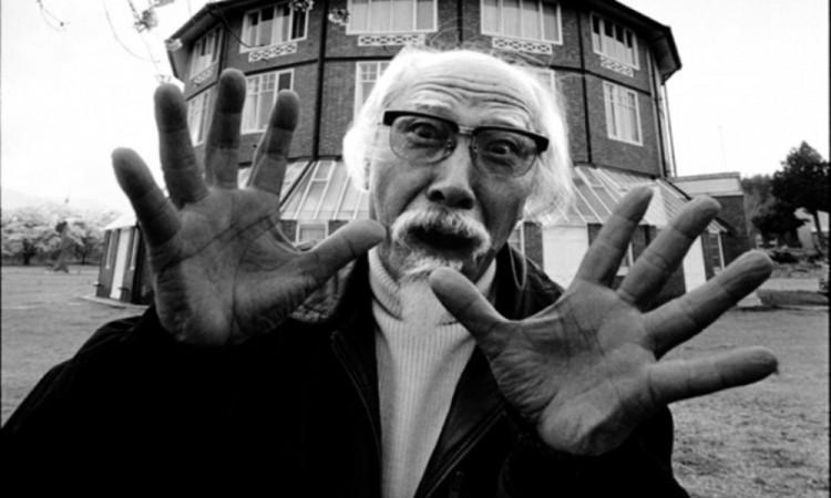 Muere el cineasta japonés Seijun Suzuki, padre de la mafia