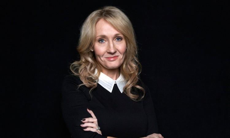 Ingresa Rowling a los Compañeros de Honor
