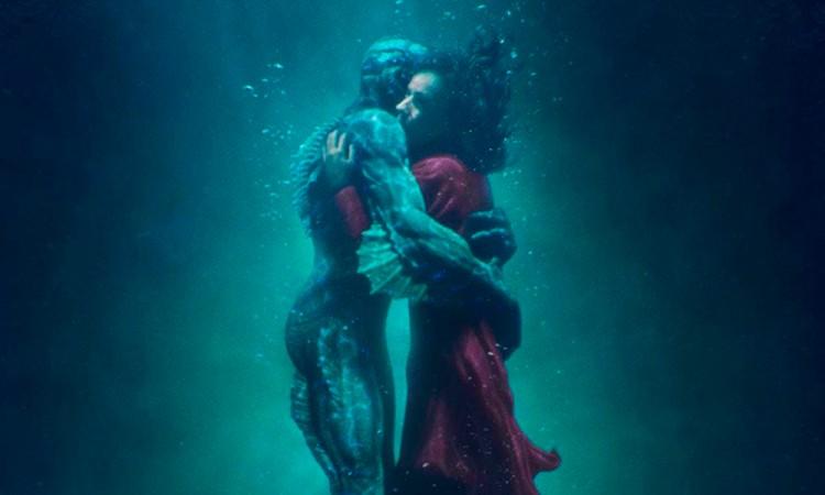Del Toro da forma al agua en el cine