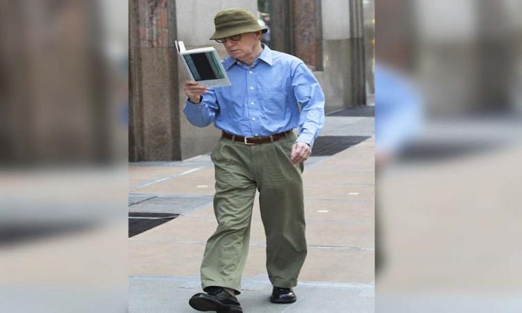 Arremete Farrow contra Woody Allen