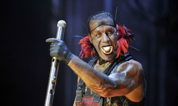 Till Lindemann, vocalista de Rammstein, en terapia intensiva por coronavirus