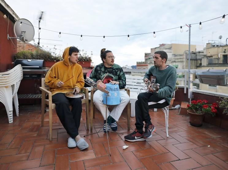 Michael Bublé versiona tema de trío español escrito durante el confinamiento