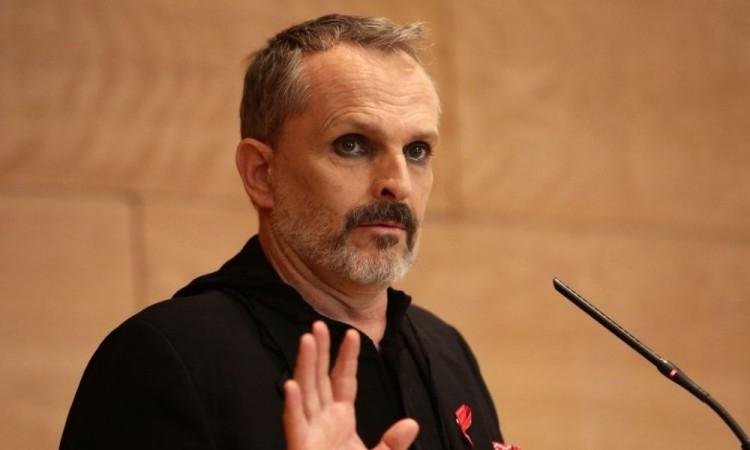 Le llueven críticas a Miguel Bosé por su manifestación contra el cubrebocas
