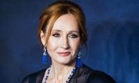 JK Rowling estrena libro; en Twitter la acusan a de transfobia y la cancelan con #RIPJKRowling