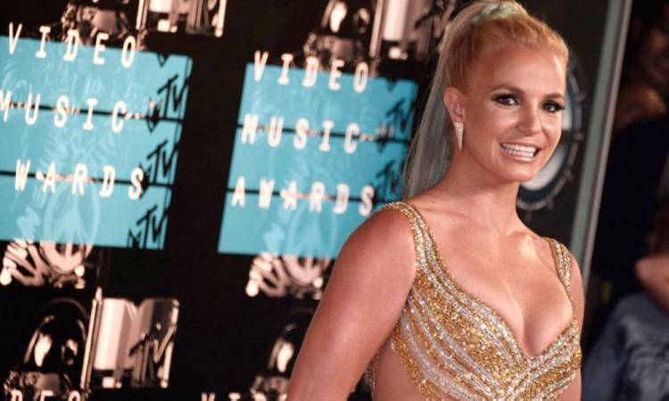 Britney Spears busca liberarse del control de su padre