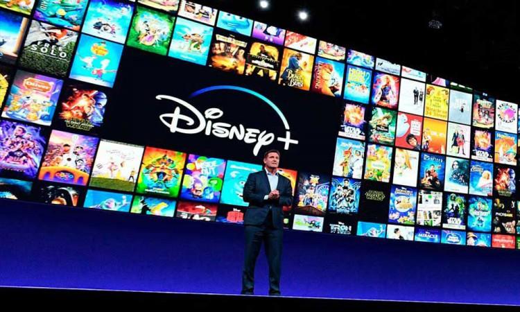Tras la pirotecnia de celebración de Disney Plus; habitantes pensaron que fue una balacera