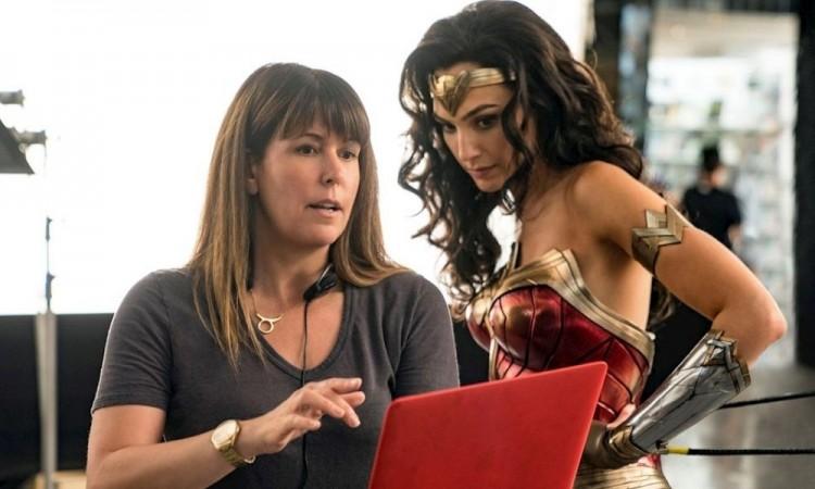 """Gal Gadot y Patty Jenkins defienden el estreno híbrido de """"Wonder Woman 1984"""""""