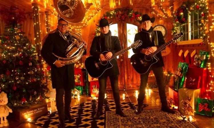 """Los plebes del rancho de Ariel Camacho se ponen navideños con el lanzamiento de su tema """"Se acerca navidad"""""""