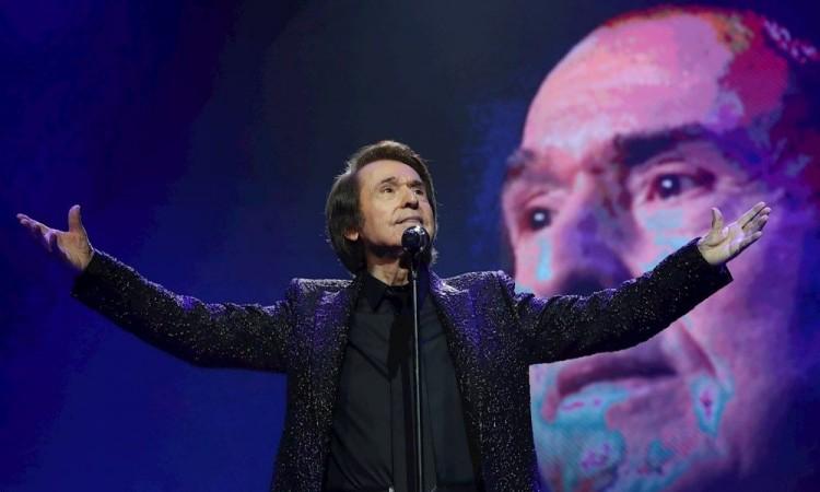 Polémica por el concierto de Raphael con 5 mil asistentes pese a la epidemia