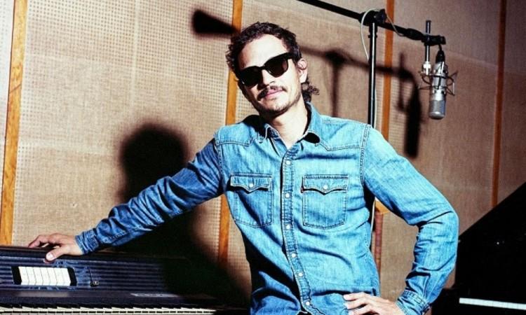"""Presenta Caloncho """"Corazón Atómico"""" un homenaje a Zoé"""