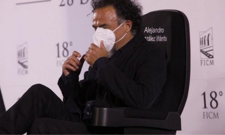 Captan a González Iñárritu en el rodaje de su nuevo filme, Limbo, en México