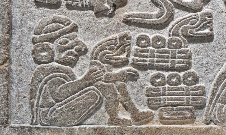 Descubren piedra mítica en la Mixteca