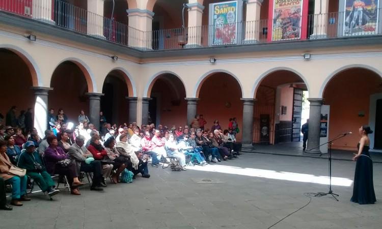 Se presentan Adriana Rascón y Arte vocal ensamble