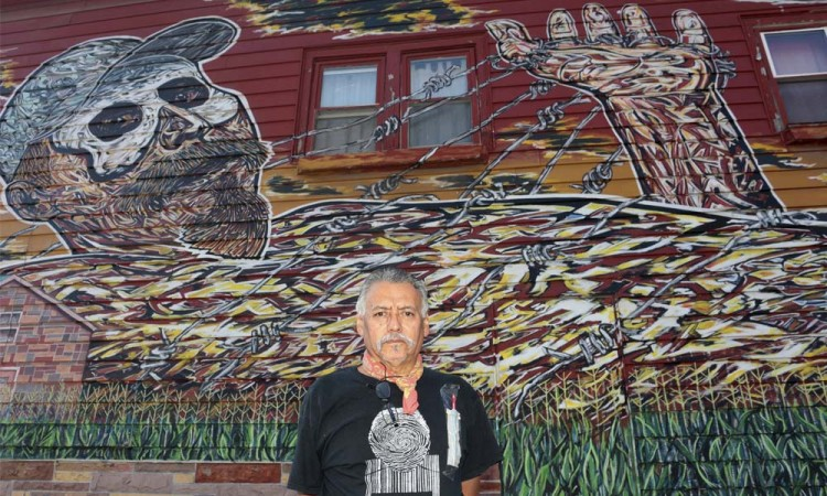 Gritan murales de Duarte en paredes de Chicago