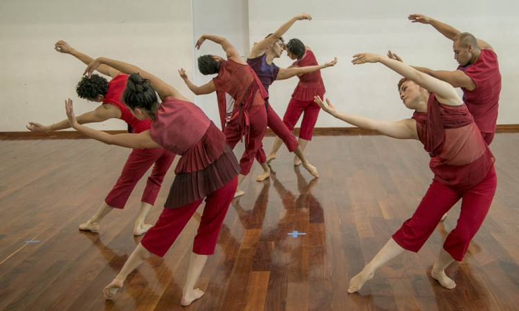 Oferta Codaco plaza para bailarín