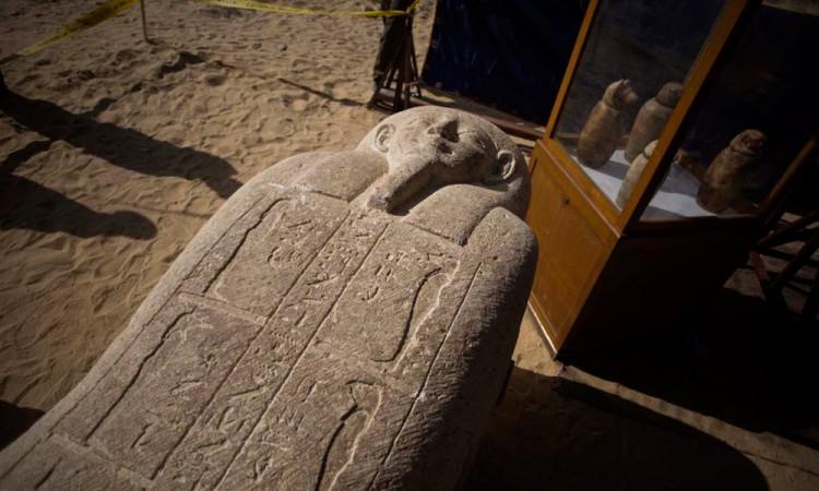 Descubren cementerio del siglo IV a.C. en el valle del Nilo