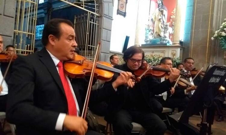 Deleitan con concierto sinfónico en el Templo del Carmen
