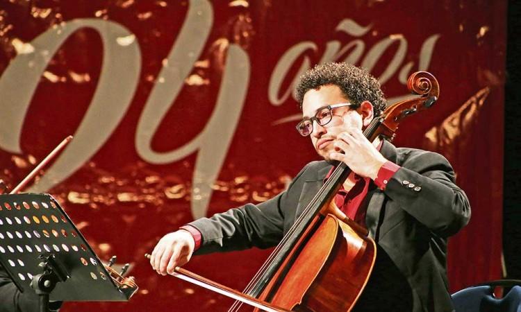 Festeja aniversario el Museo UPAEP con música de cuerdas
