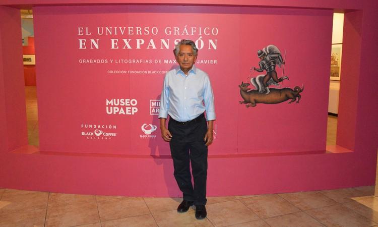 Expone Maximino Javier 34 piezas de colección en Puebla