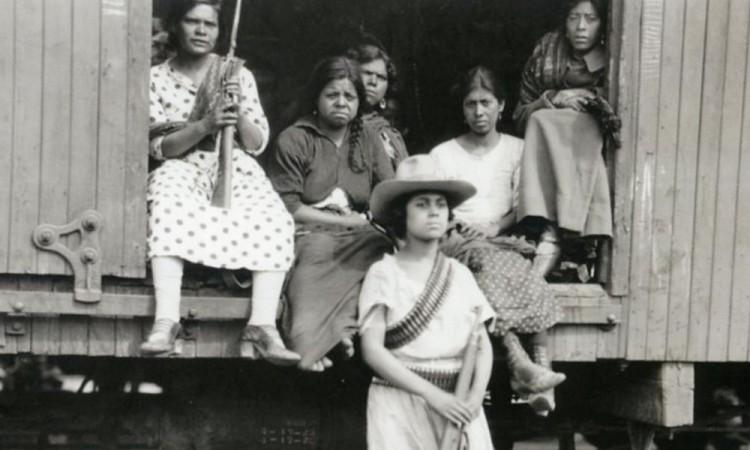 Fuerza y belleza: las mujeres de la Revolución