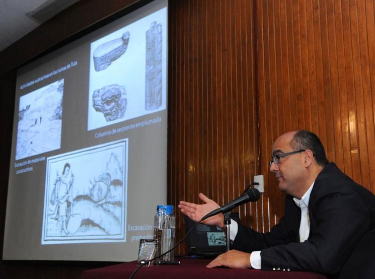 Recuerda Leonardo López Luján sus primeras lecturas de arqueología