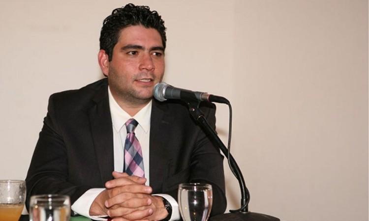 Gana el poeta hondureño Rolando Kattan, Premio Casa de América de Poesía Americana