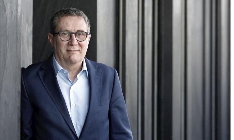"""LLuisgé Martín gana Premio Herralde con la novela """"Cien noches"""""""