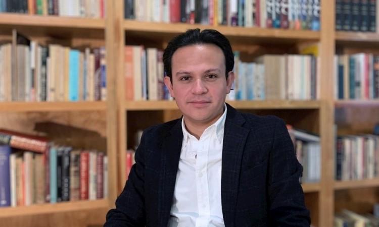 Novela mexicana sobre el arquitecto de Hitler gana el Premio Vargas Llosa